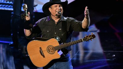 garth Brooks country concert 2021 / 2022